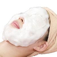 STEP.02 幹細胞ソープで泡洗顔